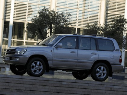 1998 Toyota Land Cruiser 100 19