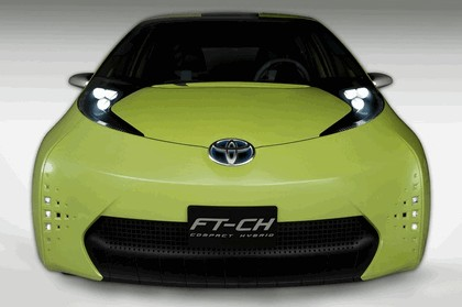 2010 Toyota FT-CH concept 5