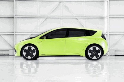 2010 Toyota FT-CH concept 7