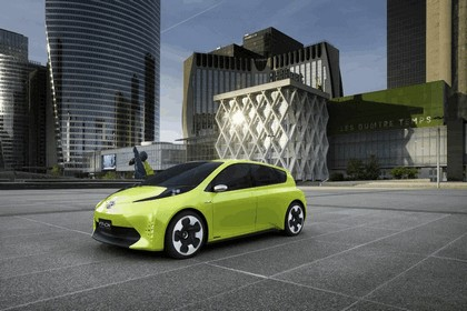 2010 Toyota FT-CH concept 12
