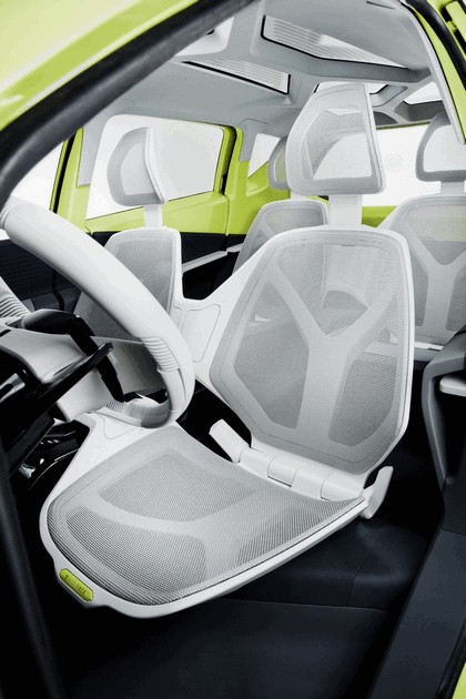 2010 Toyota FT-CH concept 28