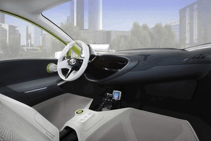 2010 Toyota FT-CH concept 29
