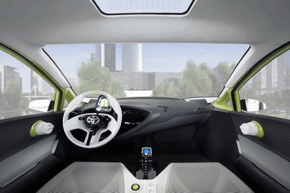2010 Toyota FT-CH concept 30