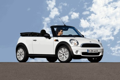 2010 Mini One Convertible 4