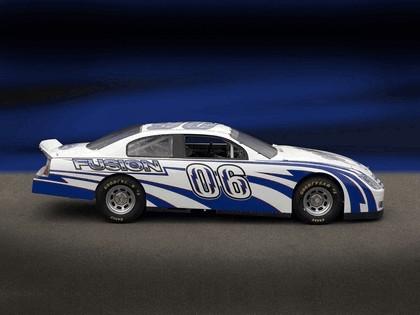 2006 Ford Fusion NASCAR 3