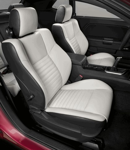 2010 Dodge Challenger RT Classic Furious Fuchsia 3