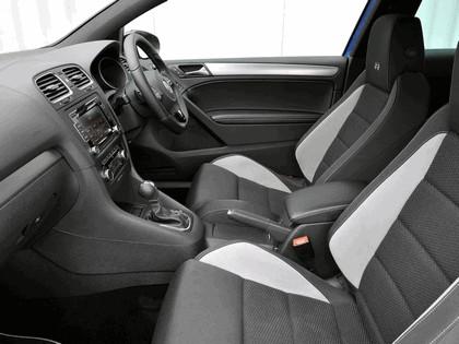2009 Volkswagen Golf R 3-door - UK version 11