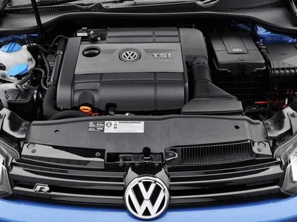 2009 Volkswagen Golf R 3-door - UK version 12