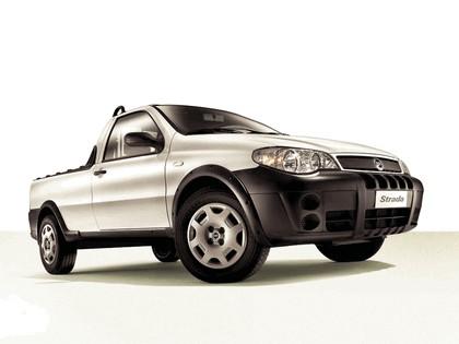 2004 Fiat Strada 1
