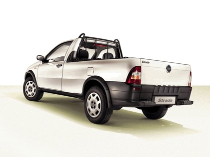 2004 Fiat Strada 2