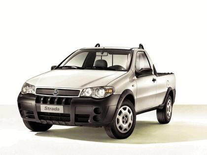 2004 Fiat Strada 4
