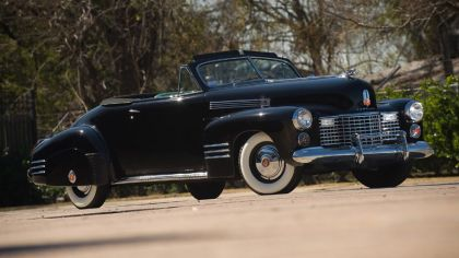 1941 Cadillac SixtyTwo convertible coupé by Fleetwood 8