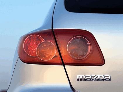 2004 Mazda 3 5-door 10