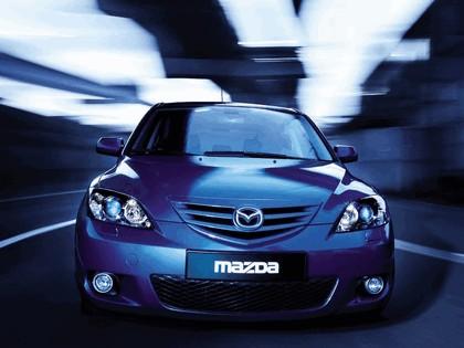 2004 Mazda 3 5-door 11