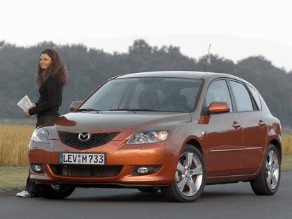 2004 Mazda 3 5-door 20