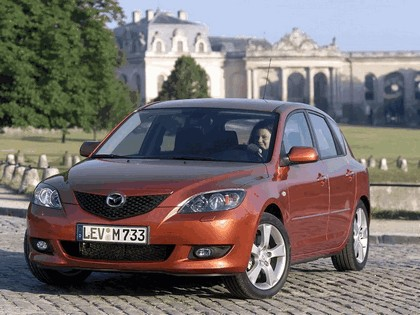 2004 Mazda 3 5-door 22