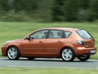 2004 Mazda 3 5-door 32