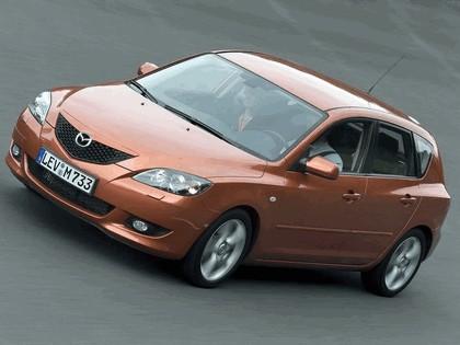2004 Mazda 3 5-door 37