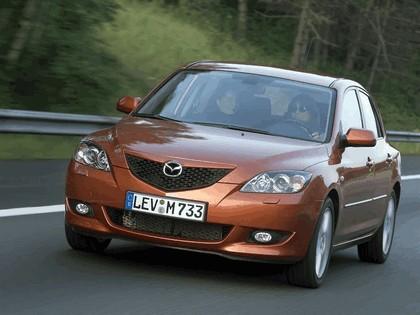 2004 Mazda 3 5-door 39