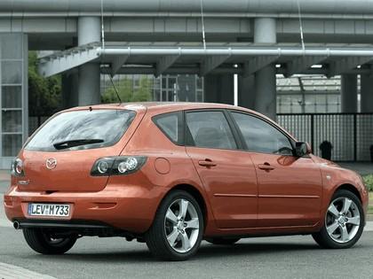 2004 Mazda 3 5-door 43