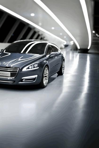 2010 Peugeot 5 concept 13