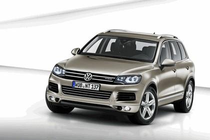 2010 Volkswagen Touareg 1