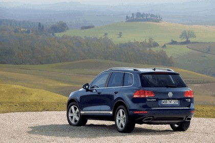 2010 Volkswagen Touareg 13
