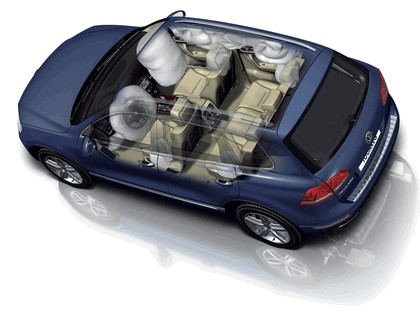 2010 Volkswagen Touareg 38