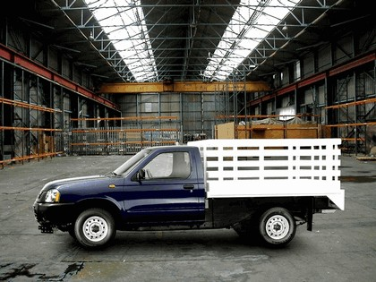 2008 Nissan Camiones 2