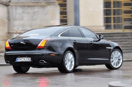 2010 Jaguar XJ 24