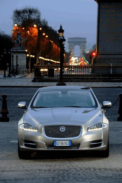 2010 Jaguar XJ 33