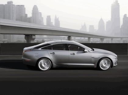 2010 Jaguar XJ 40