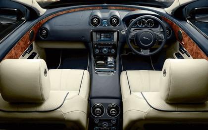 2010 Jaguar XJ 84