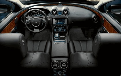 2010 Jaguar XJ 86