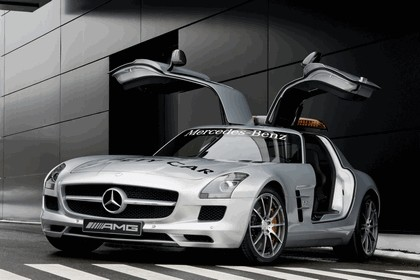 2010 Mercedes-Benz SLS - F1 Official Safety Car 8