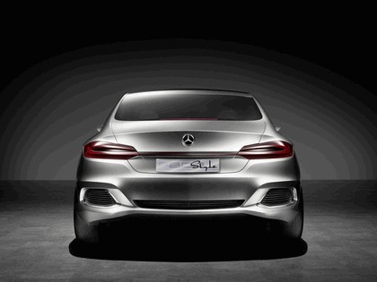 2010 Mercedes-Benz F 800 Style Research Vehicle 5