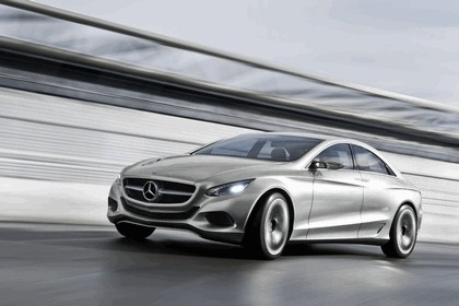 2010 Mercedes-Benz F 800 Style Research Vehicle 21
