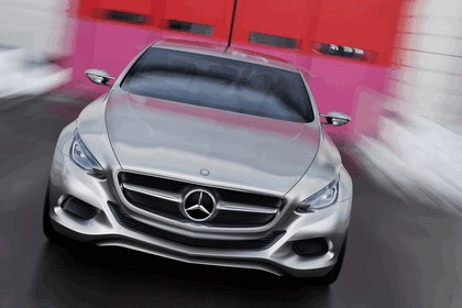 2010 Mercedes-Benz F 800 Style Research Vehicle 24