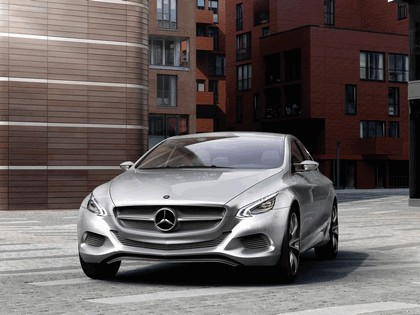 2010 Mercedes-Benz F 800 Style Research Vehicle 26