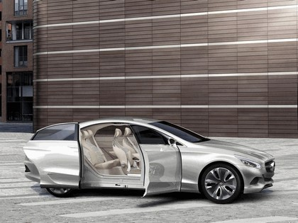 2010 Mercedes-Benz F 800 Style Research Vehicle 27