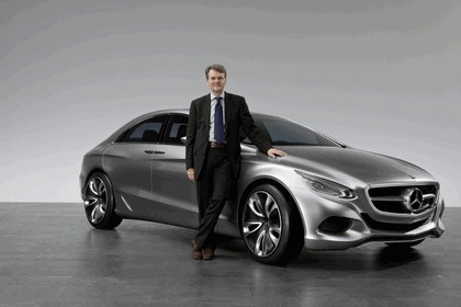 2010 Mercedes-Benz F 800 Style Research Vehicle 30