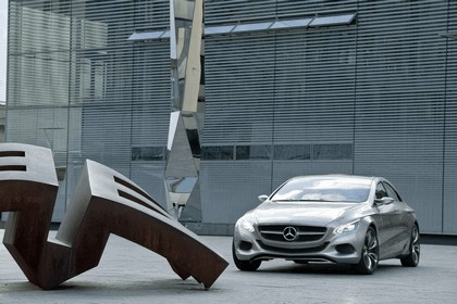 2010 Mercedes-Benz F 800 Style Research Vehicle 64