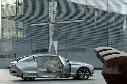 2010 Mercedes-Benz F 800 Style Research Vehicle 67