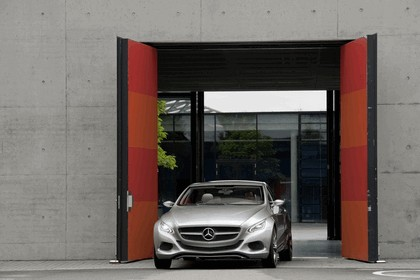 2010 Mercedes-Benz F 800 Style Research Vehicle 74