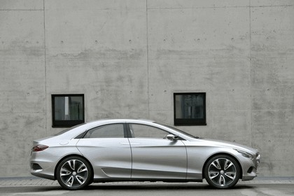 2010 Mercedes-Benz F 800 Style Research Vehicle 75
