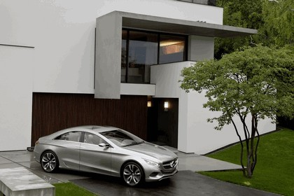 2010 Mercedes-Benz F 800 Style Research Vehicle 80