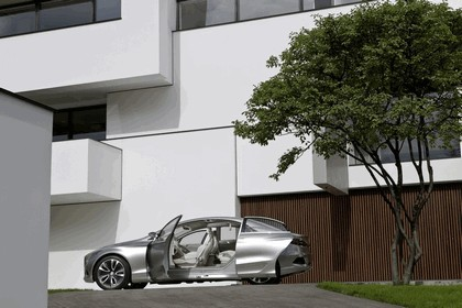 2010 Mercedes-Benz F 800 Style Research Vehicle 87