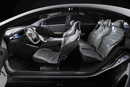 2010 Mercedes-Benz F 800 Style Research Vehicle 92