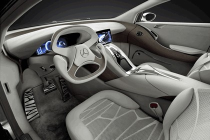 2010 Mercedes-Benz F 800 Style Research Vehicle 95