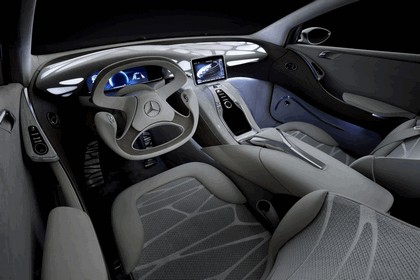 2010 Mercedes-Benz F 800 Style Research Vehicle 98